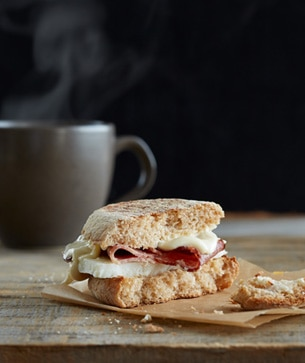 Reduced-Fat Turkey Bacon Breakfast Sandwich