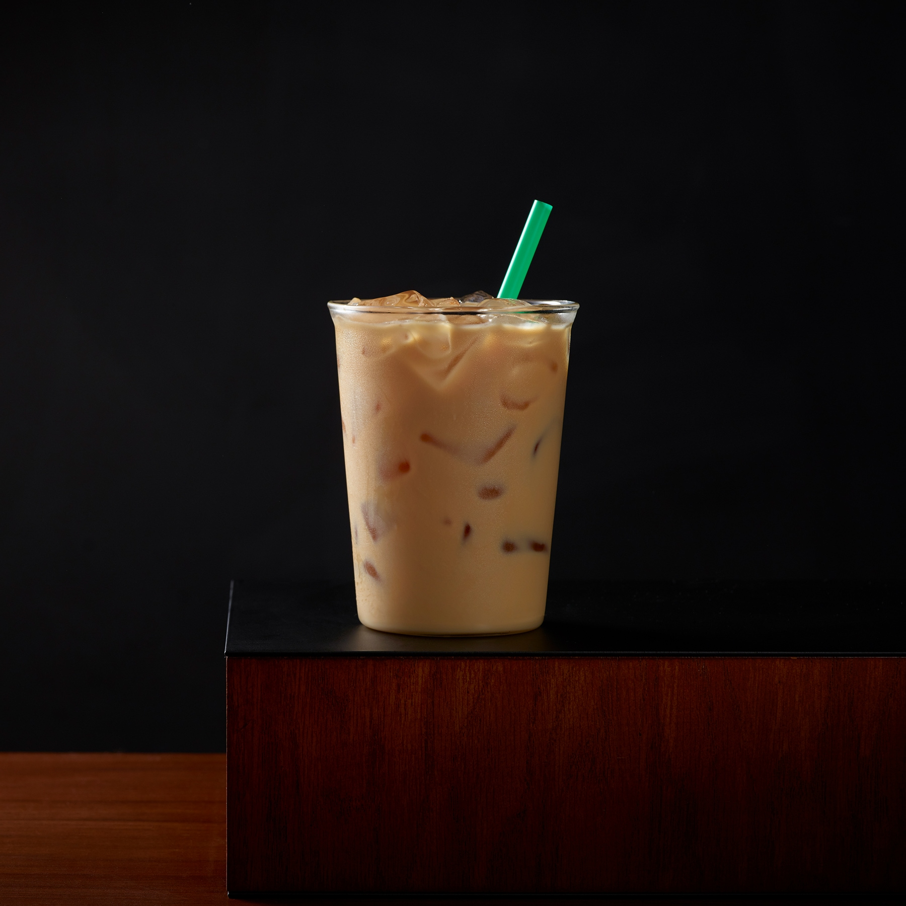 Iced Caffè Latte | Starbucks Coffee Company