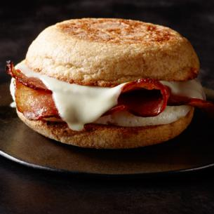 Reduced-Fat Turkey Bacon & Cage Free Egg White Breakfast Sandwich ...